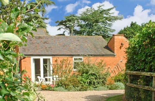 Last Minute Cottages - Splendid Worcester Orangery S2645