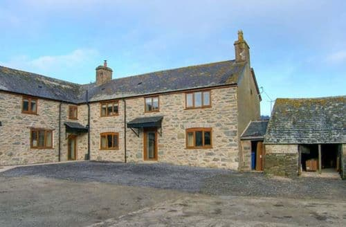 Last Minute Cottages - Tyddyn