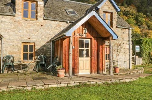 Last Minute Cottages - Larch Cottage