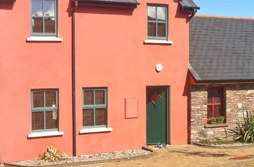 Last Minute Cottages - Superb  House S5843