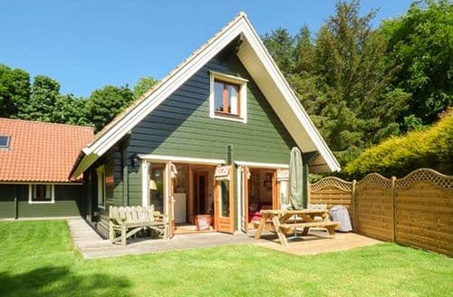 Last Minute Cottages - Luxury Swarland Lodge S59106
