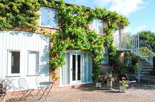 Last Minute Cottages - Stunning Worcester Flat S2698
