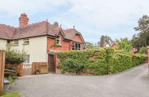 Last Minute Cottages - Excellent  Cottage S5946