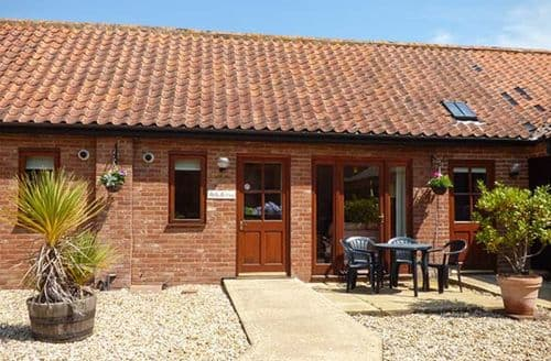 Last Minute Cottages - Holly Berry