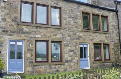 Last Minute Cottages - Haworth Farmhouse