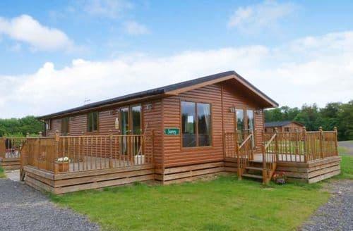 Last Minute Cottages - Surrey Lodge