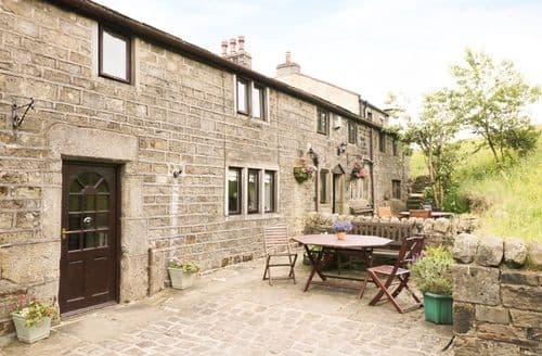 Last Minute Cottages - True Well Hall Barn Cottage