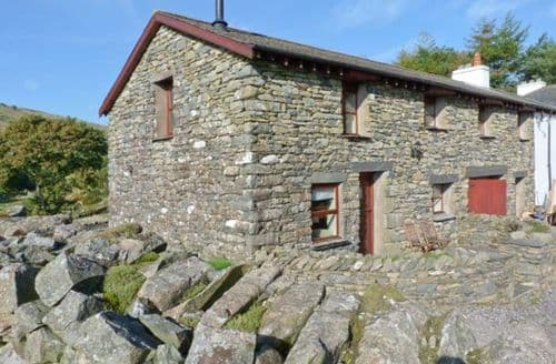 Last Minute Cottages - Copper Beech Cottage