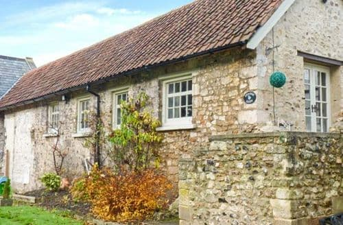 Last Minute Cottages - Starre Barn