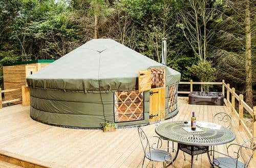 Last Minute Cottages - The Rowan Yurt