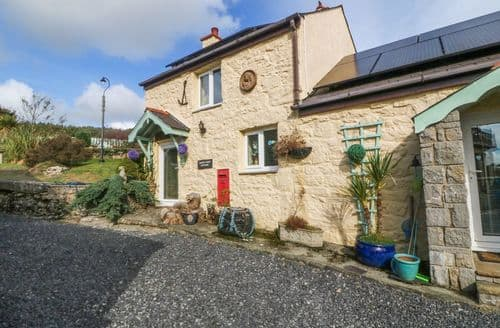 Last Minute Cottages - Beautiful Brynteg Cottage S4910