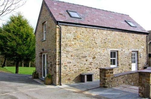 Last Minute Cottages - The Old Corn Store