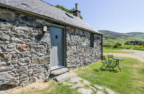 Last Minute Cottages - Gorgeous Brechin Bothy S5971