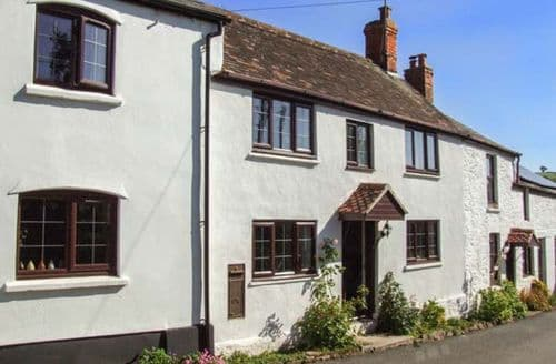 Last Minute Cottages - Tasteful Lea Cottage S37826