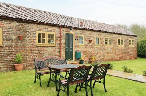 Last Minute Cottages - Quaint Bessingby Cottage S9016