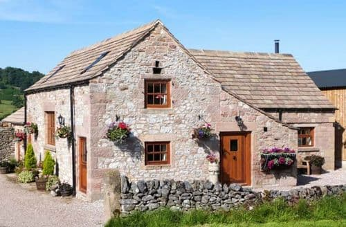 Last Minute Cottages - The Cow Barn