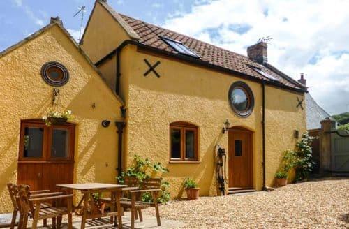 Last Minute Cottages - Beautiful Hutton Cottage S9342