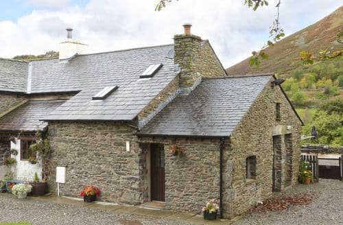 Last Minute Cottages - Oak Tree Cottage