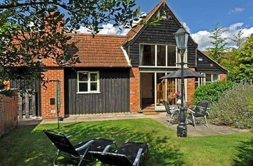 Last Minute Cottages - Adorable Broadland Rental S13290