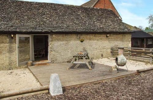 Last Minute Cottages - Beautiful Lechlade Rental S25093