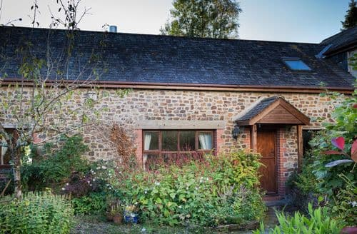 Last Minute Cottages - Hazel Barn