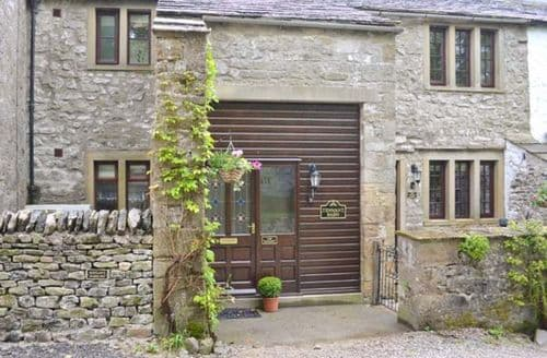 Last Minute Cottages - The Hayloft at Tennant Barn