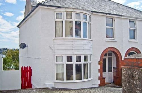 Last Minute Cottages - Quaint Milford Haven Rental S5387