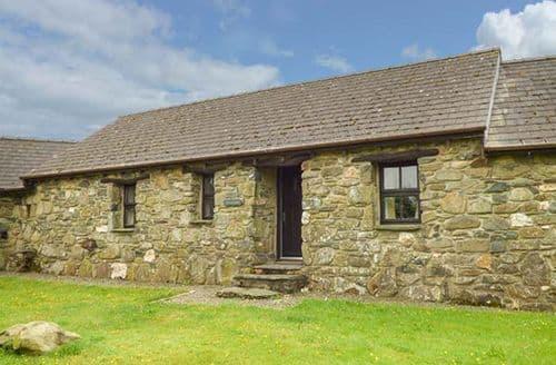 Last Minute Cottages - Superb Pontfaen Rental S24994