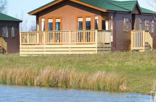 Big Cottages - Excellent Hewish Lodge S25724