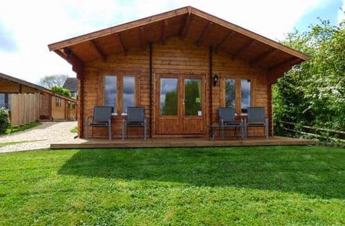 Last Minute Cottages - Wonderful Broadway Lodge S37252
