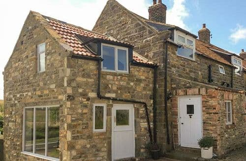 Last Minute Cottages - Attractive Normanby Cottage S37701