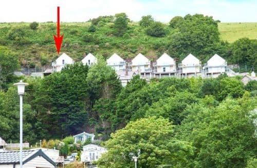Last Minute Cottages -   Cliff Top View