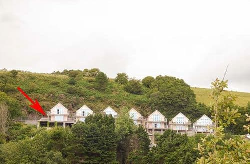 Last Minute Cottages - Tasteful Pendine Apartment S37923