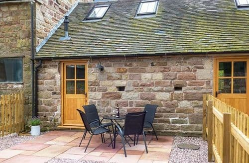 Last Minute Cottages - Excellent Cauldon Low Cottage S38196