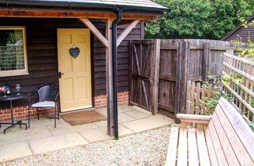Last Minute Cottages - Superb Farley Lodge S37951