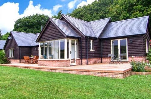 Last Minute Cottages - Gorgeous Farley Lodge S37953