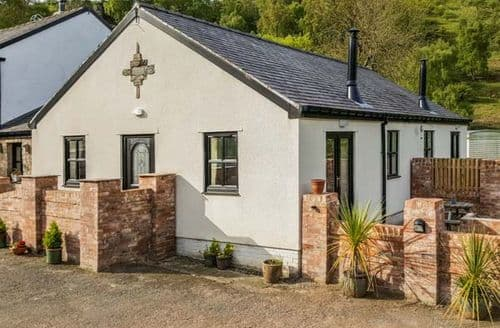 Last Minute Cottages - Adorable Mold Cottage S40513