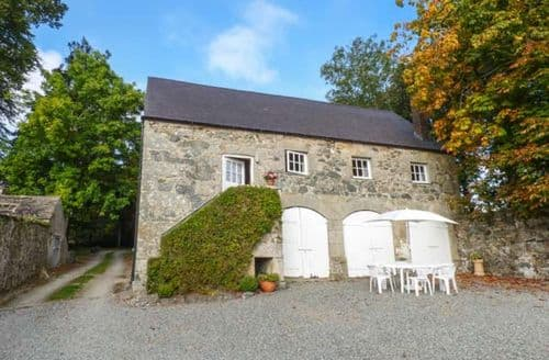 Last Minute Cottages - Coach House