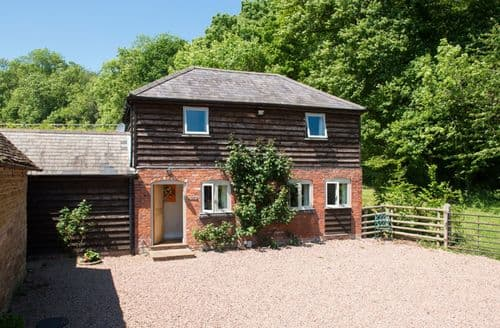 Last Minute Cottages - Captivating Hanley William Cottage S43643