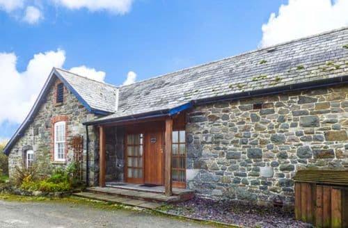 Last Minute Cottages - Brynafon Cottage