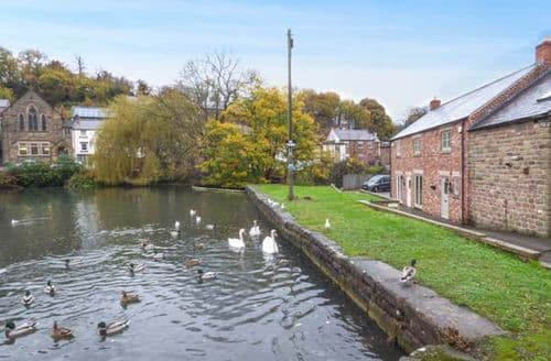 Last Minute Cottages - Smithy Cottage on the Mill Pond