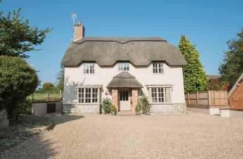Last Minute Cottages - Moles Cottage