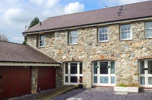 Last Minute Cottages - Splendid Glasinfryn Apartment S49860