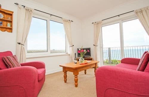 Last Minute Cottages - Lovely Sennen Cove Apartment S49768