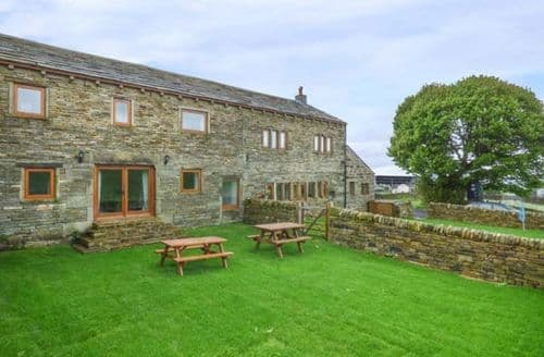 Last Minute Cottages - Upper Peaks Barn