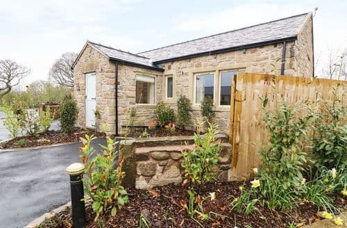 Last Minute Cottages - Whitewell Cottage
