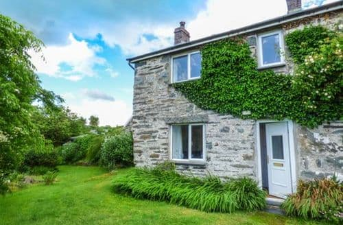Last Minute Cottages - Groes Newydd Bach