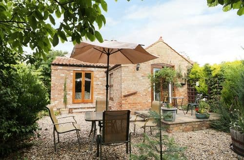 Last Minute Cottages - Delightful Grainthorpe Cottage S69785