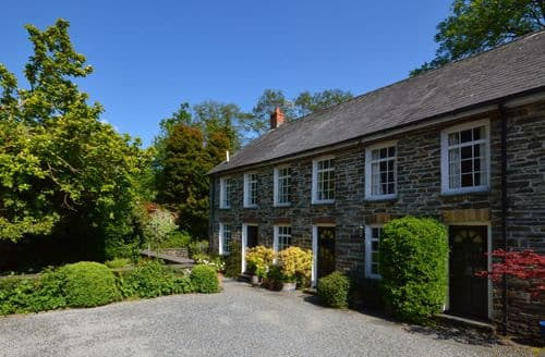 Last Minute Cottages - Waterwheel Cottage