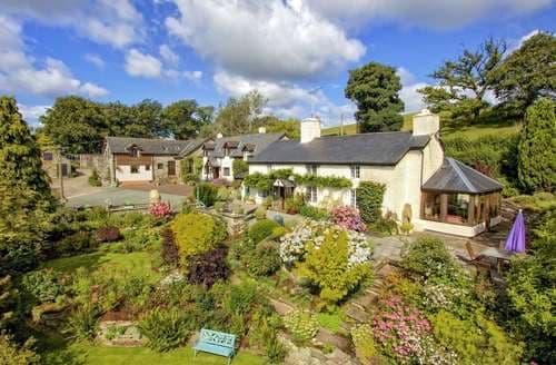 Last Minute Cottages - Beautiful  Cottage S82785